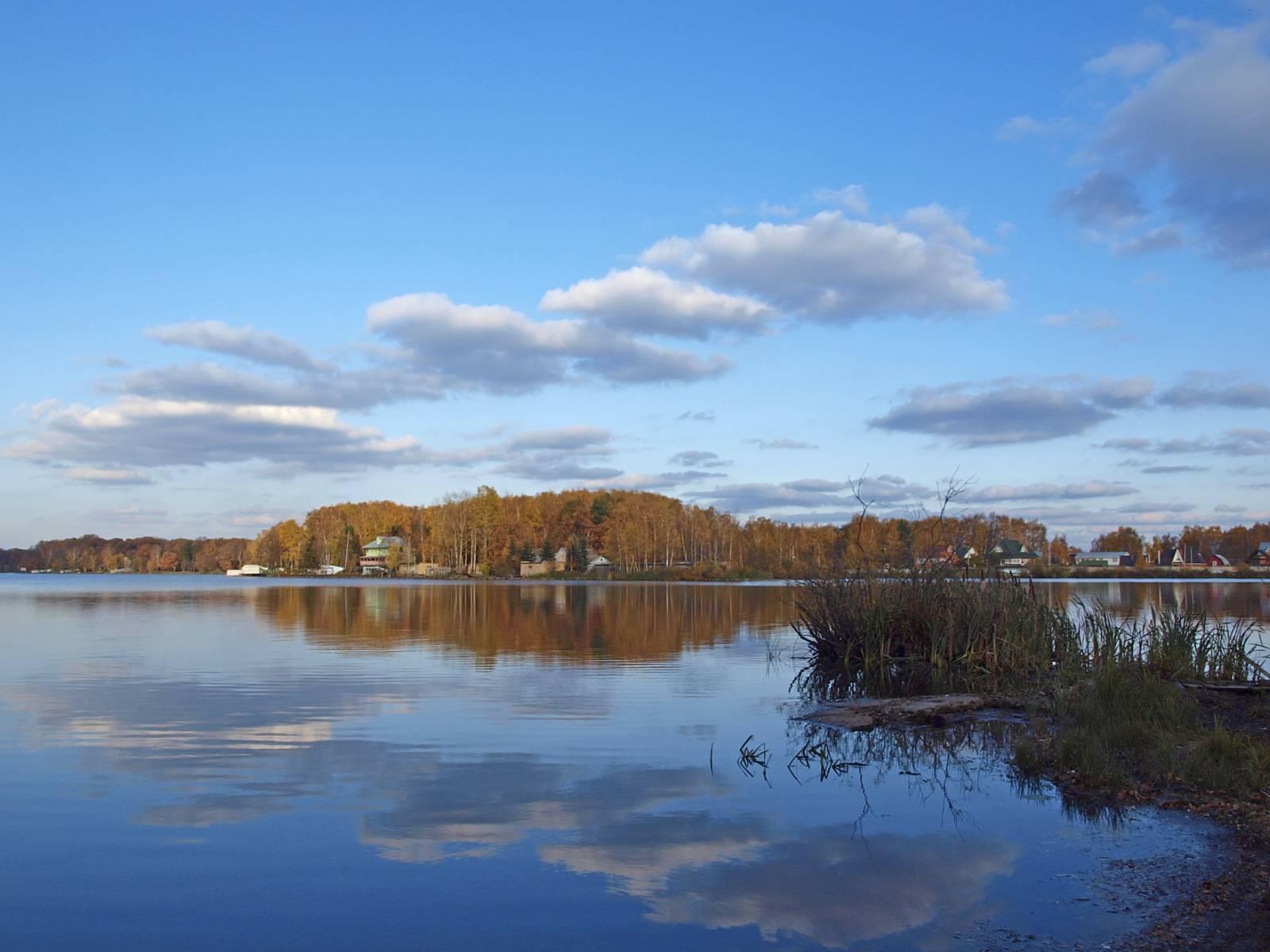 Озеро в бисерово фото пляж